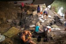 Ausgrabung an einem Jagdplatz der mittleren Altsteinzeit